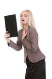 Szokująca biznesowa kobieta patrzeje papier Obraz Royalty Free