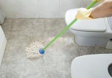 Szorować łazienki podłoga Obrazy Royalty Free
