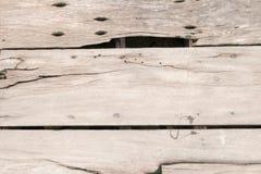 Szorstki stary nieociosany drewniany tło z pęknięciami, rocznika kolor Obraz Royalty Free