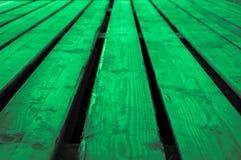 Szorstkiej mennicy zieleni sceny szarawy lekki zielonawy drewniany tło Zdjęcie Royalty Free