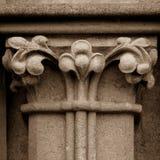 Szpaltowy kapitał Ja Na zachód fasada studnie Katedralne Zdjęcie Stock