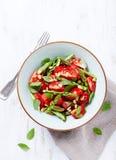 Szparagowego i Czereśniowego pomidoru sałatka Zdjęcie Stock