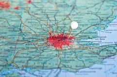 Szpilka na mapie z Londyn Obrazy Royalty Free