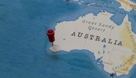 Szpilka na Perth, Australia w światowej mapie obraz stock