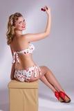 Szpilka w górę dziewczyny z wiśnią Zdjęcie Royalty Free
