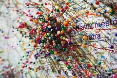 szpilki na Praga mapie obraz stock