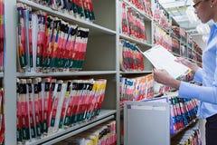 Szpitalny administrator w archiwach zdjęcia stock