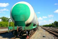 Sztachetowi cysternowi samochody, część pociąg z opałowym paliwem Fotografia Stock