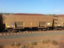 Sztachetowy fracht wypełniający z rudy żelaza zachodnią australią Fotografia Royalty Free
