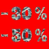 Sztandar interes w sprzeda?y z wizerunkiem dolary w?rodku -30% -50% tekst odizolowywa na czerwonym tle zdjęcie royalty free
