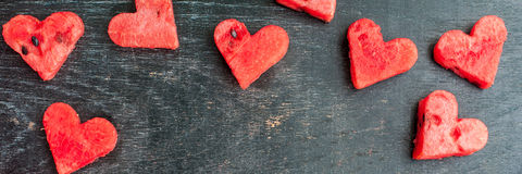 SZTANDARU melonu Wodny cięcie w kierowego kształt Przestrzeń dla teksta Mieszkanie nieatutowy skład pocałunek miłości człowieka k Zdjęcie Royalty Free