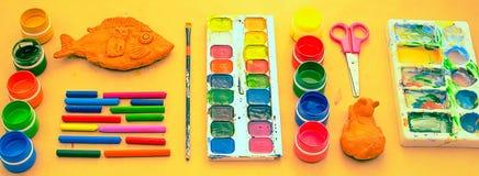 Sztandaru A set materiały dla twórczości i rysunkowych hobby Zdjęcie Stock