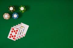 Sztandaru szablonu układu mockup dla onlinego kasyna Zielony stół, odgórny widok na miejscu pracy obraz stock