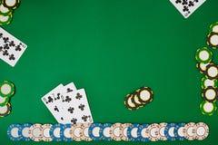 Sztandaru szablonu układu mockup dla onlinego kasyna Zielony stół, odgórny widok na miejscu pracy Zdjęcia Stock