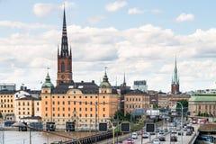 SZTOKHOLM SZWECJA, LIPIEC, - 14, 2017: Widok nad wyspą, kościół i urzędem miasta Riddarholmen, Centrum miasta Sztokholm, Szwecja Obraz Royalty Free