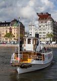 SZTOKHOLM, SZWECJA - 18 2012 MAJ: Frithiof - rocznika turystyczny parostatek wewnątrz nawadnia Sztokholm Obraz Stock