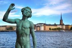 SZTOKHOLM SZWECJA, SIERPIEŃ, - 20, 2016: Pieśniowe statuy blisko Sztokholm Obrazy Royalty Free