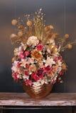 Sztucznego kwiatu przygotowania złocisty kolor Obraz Royalty Free