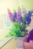 Sztucznego kwiatu rośliny garnka dekoracja Obraz Royalty Free