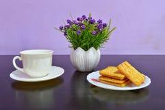 sztucznego kwiatu waza Zdjęcie Royalty Free