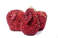 Sztuczny czerwony jabłko, odizolowywający na białych tło głodu zdrowie obraz royalty free