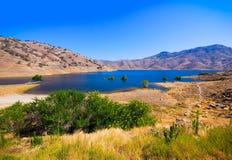 Sztuczny jezioro w gorącej Kalifornia pustyni Obraz Royalty Free