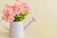 Sztuczny kwiat na rocznika stylu tle Obraz Stock