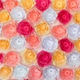 Sztuczny papierowych kwiatów tło i tekstura Obrazy Royalty Free