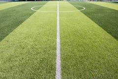 Sztuczny trawy boisko piłkarskie zdjęcie stock
