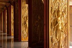 sztuk drzwi rzeźbią tajlandzkiego Zdjęcia Royalty Free