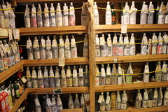 Sztuka dla sztuki butelki sklep w Japonia Zdjęcie Royalty Free