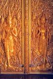 Sztuka na Drzwiowej Tajlandzkiej świątyni Obrazy Stock