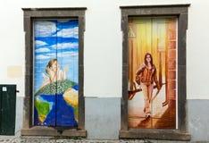 Sztuka otwarte drzwi w ulicie Santa Maria Projekt który celuje ` otwarty ` miasto artystyczny i imprezy kulturalne Funch Obrazy Royalty Free