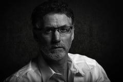 Sztuka piękna portret mężczyzna w czarny i biały obrazy stock