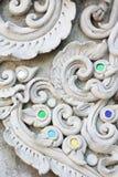 Sztukateryjnej białej rzeźby dekoracyjny wzór obrazy stock