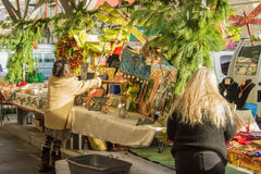 Sztuki i rzemiosło sprzedawcy przy Roanoke rolników rynkiem Zdjęcia Royalty Free