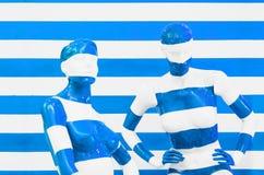Sztuki mannequin bielu i czerwieni lampasy na pasiastym z błękitnych i bielu lampasami, przebranie zdjęcie stock