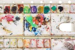 Sztuki paleta z farba kolorem Zdjęcia Royalty Free