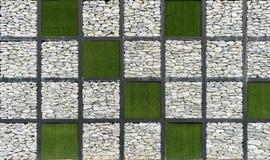 Sztuki współczesnej trawa 3 i Kamienna ściana Zdjęcia Royalty Free