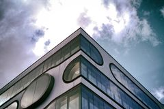 Sztuki Współczesnej Skycraper nieba Hamburski minimalizm zdjęcia royalty free