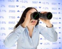 Szukać najlepszy pieniężną inwestycję Zdjęcia Stock