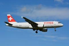 Szwajcar Aerobus A320-214, HB-IJL/ Obrazy Stock