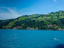 Szwajcaria, Lauterbrunnen, SCENICZNY widok morze PRZECIW niebu zdjęcie stock