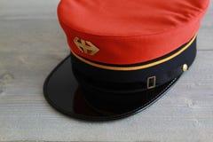 Szwajcarski kolejowy kapelusz z logem i złotym lampasem Zdjęcie Royalty Free