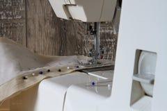Szwalna maszyna i szwalni akcesoria Fotografia Royalty Free