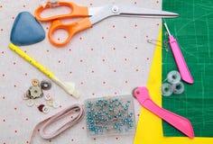 Szwalny materiał na tkanina wzorze Fotografia Stock
