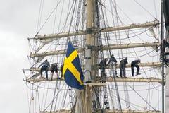 Szwedzi flaga przy statkiem Zdjęcia Stock