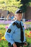 Szwedzi utrzymują porządek kobiety przygotowywającej ochraniać rodziny królewskiej Obraz Stock