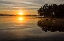 Szwedzki lata jezioro w ranku Zdjęcia Stock
