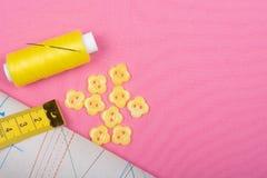 Szyć dostawy, wzory i akcesoria dla uszycia szy, broderia zdjęcie stock